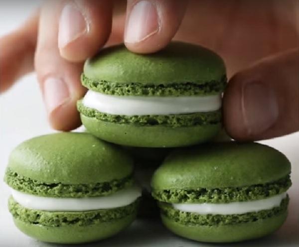 Delicious Matcha Macaroons Video Recipe